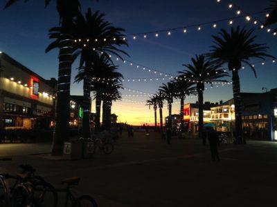 Hermosa Beach pier plaza